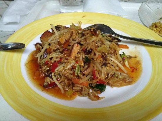 Heller's Vegetarisches Restaurant & Cafe: Le wok, préparé sous mes yeux... divin !