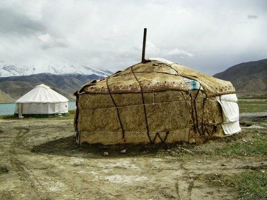 Karakoram Highway: Yurt we stayed in