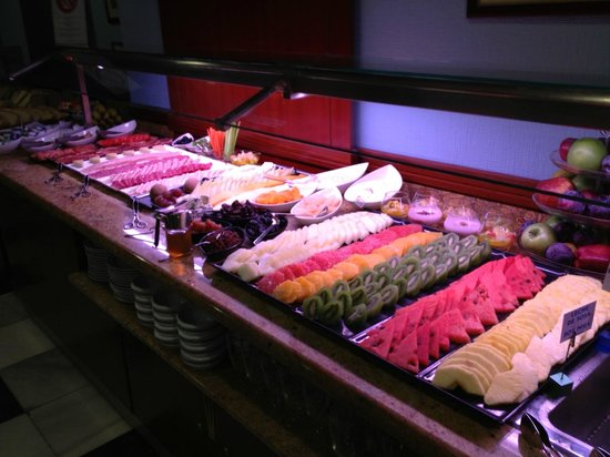 Monte Triana Hotel : Breakfast buffet