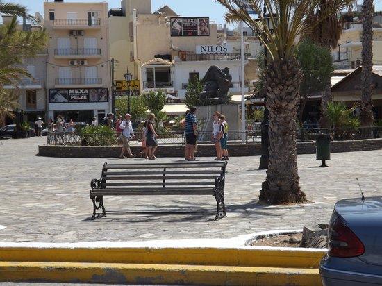 Akti Olous Hotel: Square in elounda