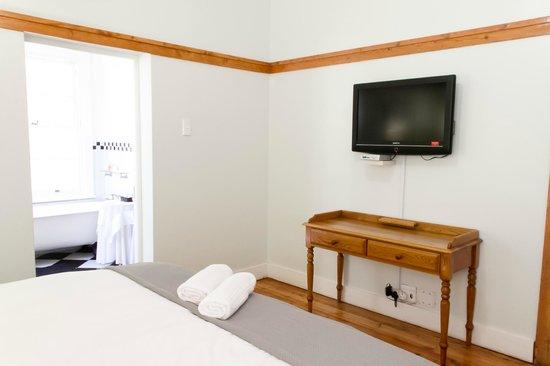 Coweys Corner: Room 3