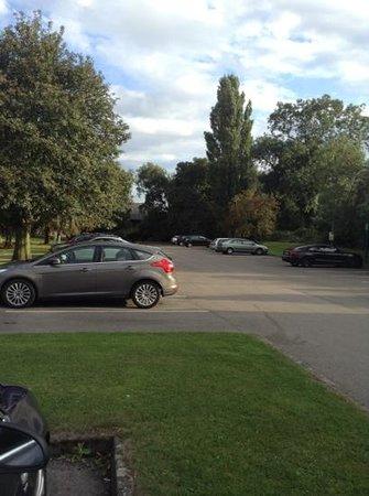 Holiday Inn Derby - Nottingham M1: car park