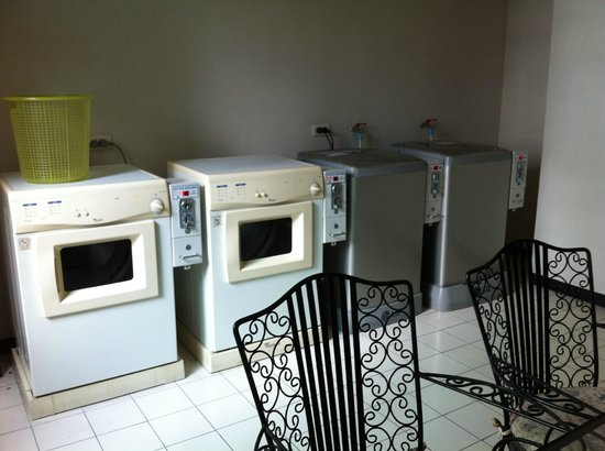 Gardengrove Suites Boutique Serviced Residence: Coin operated laundrette