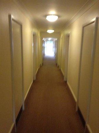 Holiday Inn Derby - Nottingham M1: corridor