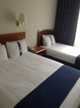 Holiday Inn Derby - Nottingham M1: bed