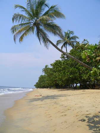 Kribi, Cameroon: plage de Grand Batanga