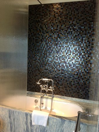 Adria Boutique Hotel: Soaking Tub