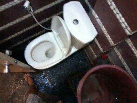 Ameera Boutique Hotel: bathroom
