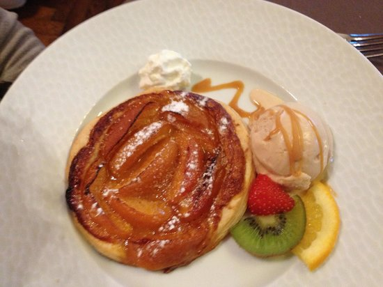 La Breche Restaurant : Apricot Tarte