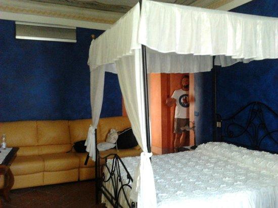 Residenza d'Epoca La Costa : Suite Imperiale ....pregevole!