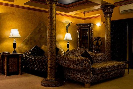 Buena Villa: Luxor Room