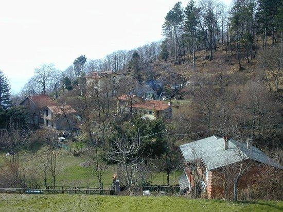 La Gotica : Vista del piccolo borgo montano