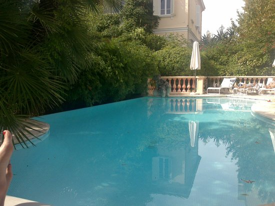 Sainte Valerie Hotel: View at the pool