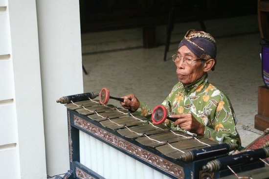 The Phoenix Hotel Yogyakarta - MGallery Collection: Gamelan Music