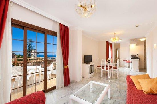 Apartamentos Casablanca: Salón