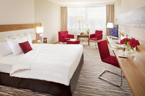 Movenpick Hotel & Casino Geneva: Deuxe Room