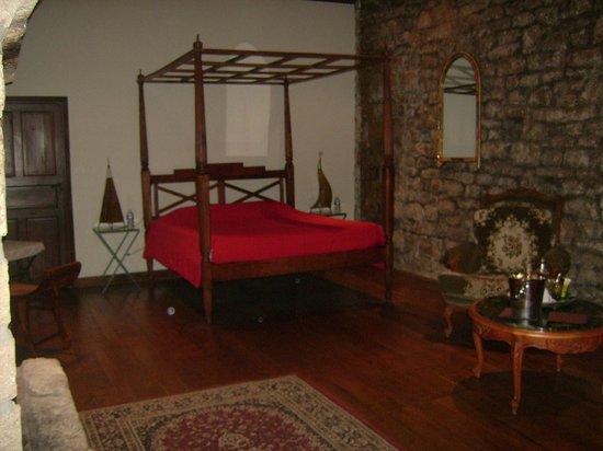 Chateau de Sorgues : chambre des rois