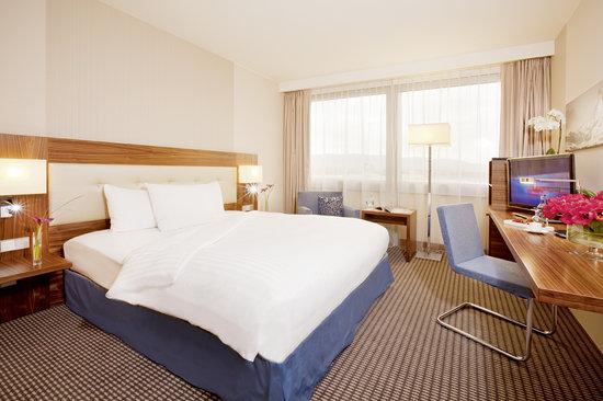 Movenpick Hotel & Casino Geneva: Classic Room