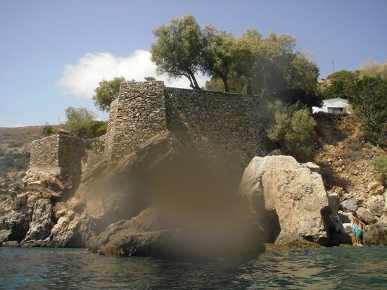 Agriolykos Pension: the place from the sea