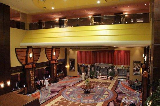 Al Raha Beach Hotel: Lobby