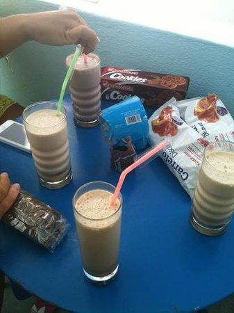 Family Vassalos: latte e cioccolato e latte e caffè FRAPPIATO