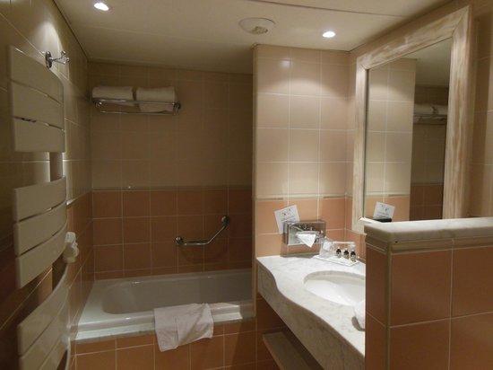 Hotel de Massane : La salle de bain