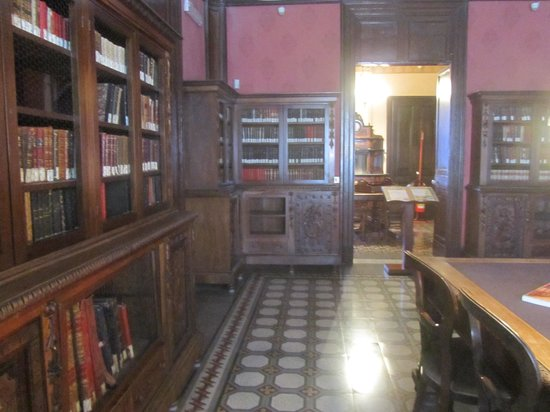 Casa Museo Giovanni Verga : biblioteca di Verga