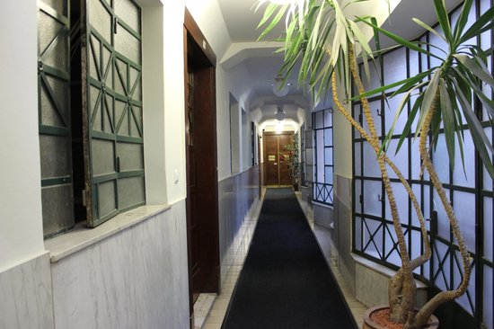Hotel Pension Corvinus: Hallway