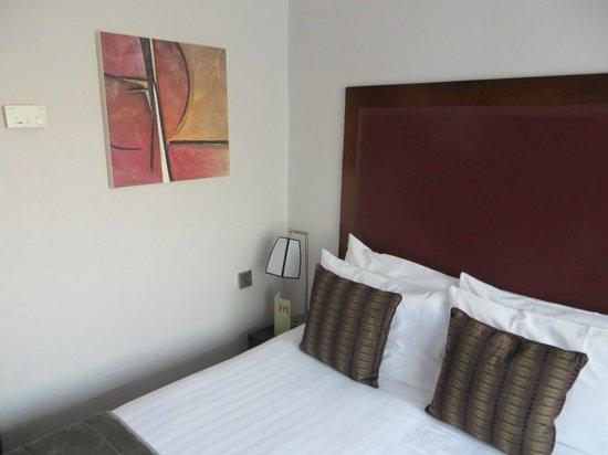Mercure London Kensington: Small Double Room