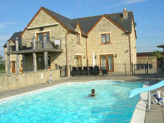Whaddon Grove House: Pool