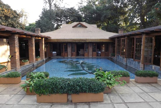 Arusha Coffee Lodge : The grand entrance