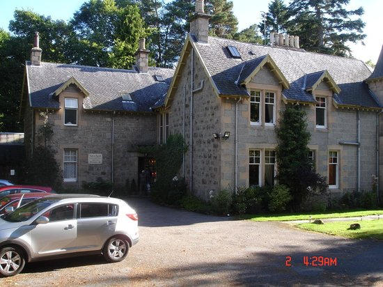 Tigh na Sgiath Country House Hotel: Parking area