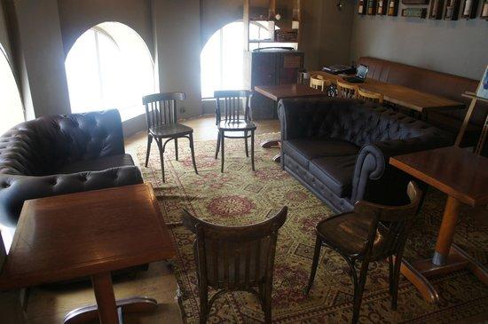 d co couture picture of la penderie restaurant paris tripadvisor. Black Bedroom Furniture Sets. Home Design Ideas