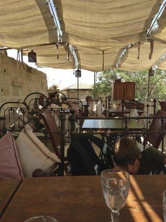 Ziggy's Shoppe & Cafe: Terrazza alta coperta