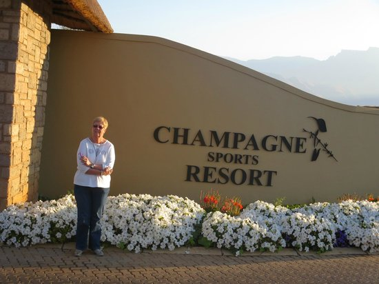 Champagne Sports Resort: enterance