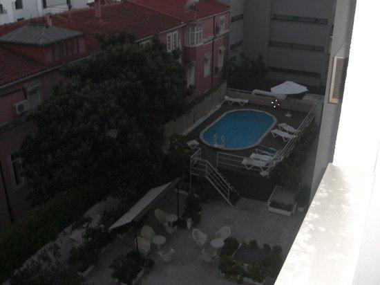 Amazonia Lisboa Hotel: Piscina Hotel