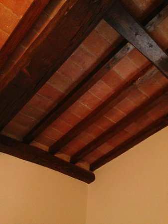 Montorio: Lovely old wooden beams