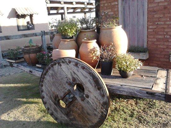 Vila Antiga : jardim com carro de boi