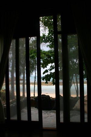 Ocean View Beach Resort : view from our bedromm