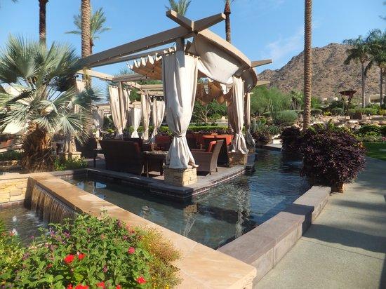 JW Marriott Scottsdale Camelback Inn Resort & Spa: A sitting out area