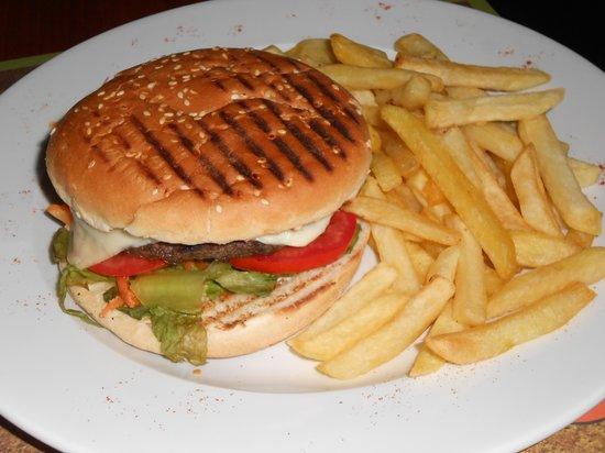 Downtown Hotel : Lucky Jacks burger