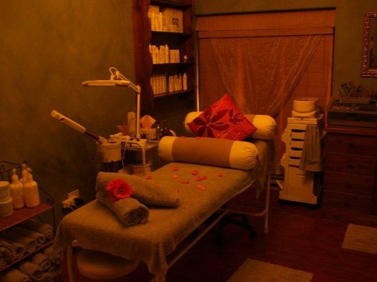 Vizage Nail Beauty and Body Spa: Beautiful treatment room
