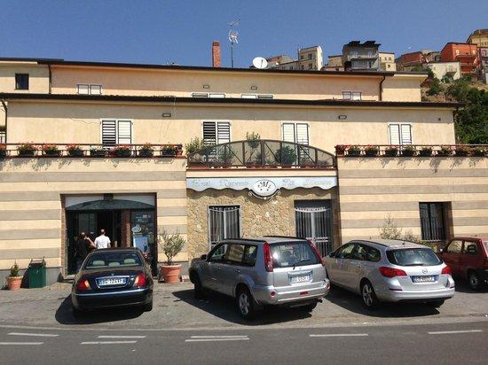 Hotel Mazzurco: fachade y entrada del hotel