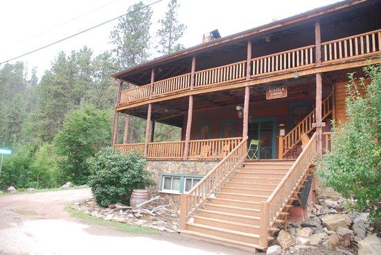 Hisega Lodge : voorzijde van de lodge