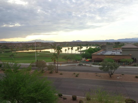 Lexington Hotel & Suites - Fountain Hills / North Scottsdale: View from our Window