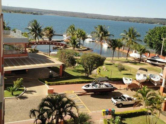 Lake Side Apart Hotel: Vista quarto, marina