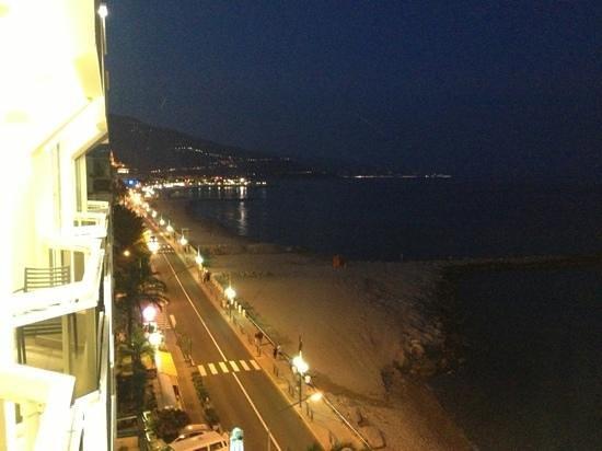 Hotel Riva: Blick vom obersten Stock bei Nacht