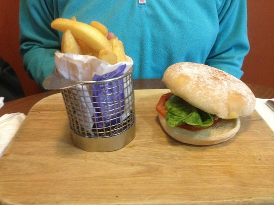 The Gathering Restaurant and Lounge: The Gathering Beefburger