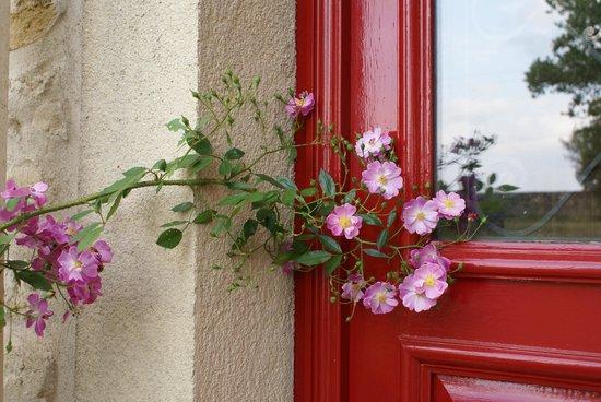 Manoir La Betoulle : Un accueil fleuri ...