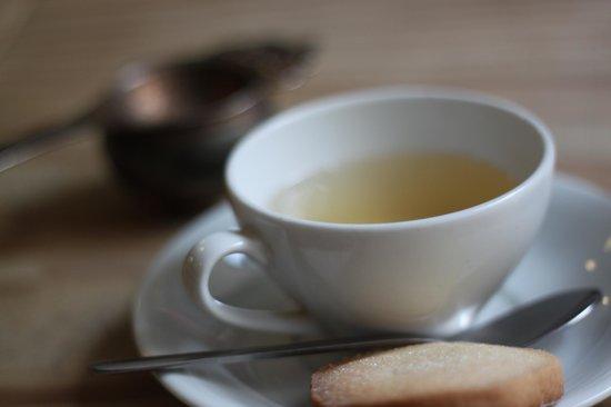 Edinburgh Larder Bistro: Cup of tea